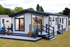 REGAL HOLIDAY HOMES - WYNDHAM LODGE